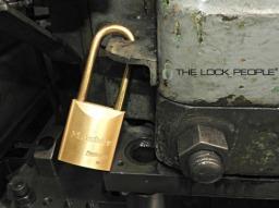 Master Lock ProSeries® Solid Brass No. 6840BLF
