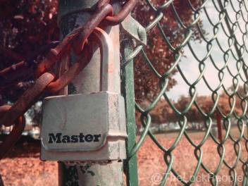 Master Lock No. M176XDLHHC Magnum® Resettable Combination Zinc Die-Cast Body Padlock